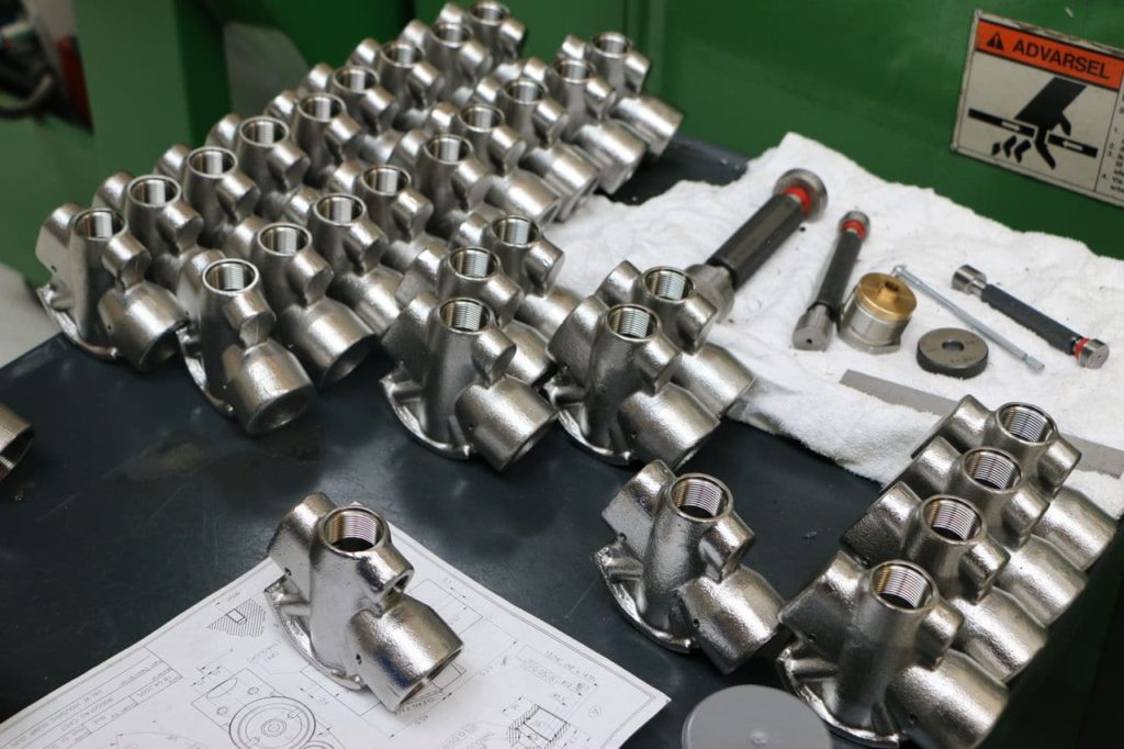 fabrication stock pièces détachées
